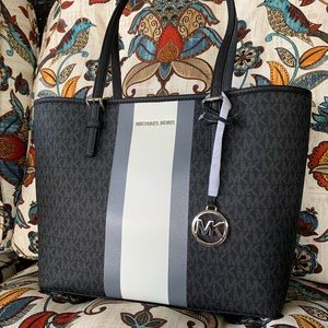 🖤 new MK medium tote